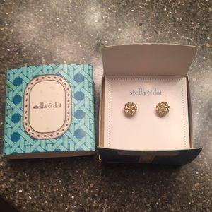 Stella & Dot Gold Stud Earrings